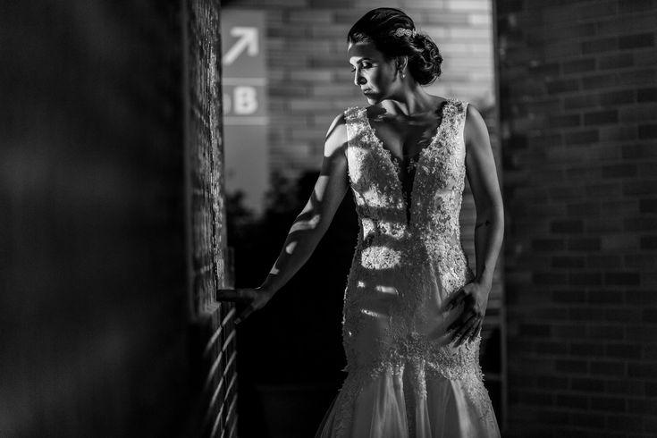 Momentos antes do grande momento.  .  #wedding #weddingbrasil #weddingphotographer#lapisdenoiva #inesquecivelcasamento #euqueromecasar #veudenoiva #vsco #vscocam #vsccogood #vscolove #fotografiadecasamento #amor #inesquecivelcasamento #editorialnoivas #noiva #casamento #photography #fotografia #photo #matrimonio #luxodefesta #felicidade #behappy #diafeliz