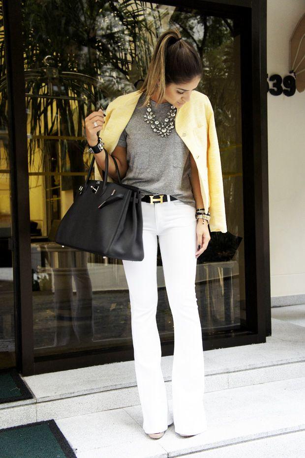 Uma batalha entre calças que fazem um estilo cool e very chic. Calça branca tem a cara da mulher fina, enquanto as calças estampadas, que in...