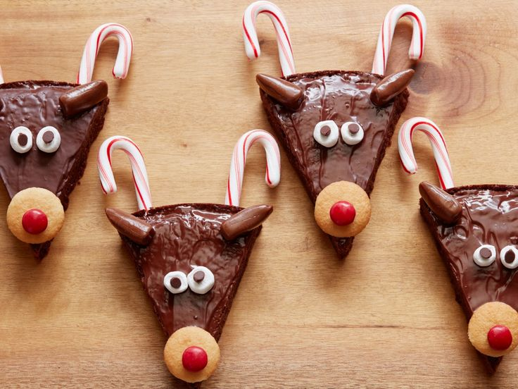 365 best lets celebrate the holidays images on pinterest candy canes marshmallows and wafer cookies turn brownies into a festive holiday dessert forumfinder Gallery