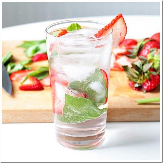 Strawberry Basil Sparkler | It's Only Al-cohol | Pinterest