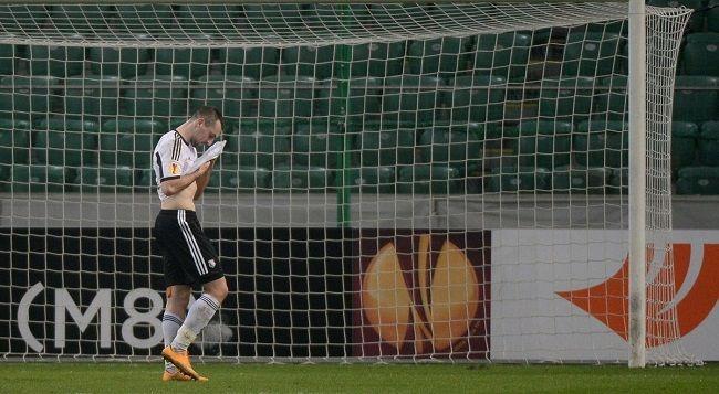 Piłkarz Legii strzelił Panu Bogu w okno • Legia Warszawa vs Ajax Amsterdam • Michał Kucharczyk fatalnie zmarnował sytuację • Zobacz >>