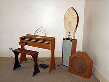 An ondes Martenot, an electronic instrument, for which Messiaen included a part in several of his compositions: the orchestra for his opera Saint François d'Assise includes three of them.