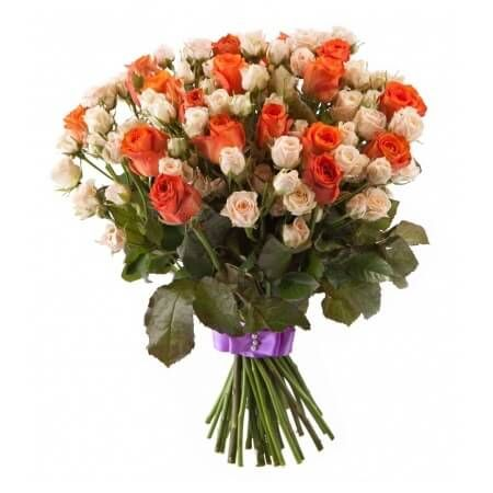 Состав букета: Состав: Лента атласная цветная (1 пог/метр) (1шт.); роза Вау (20шт.); Кремовая кустовая роза (15шт.)