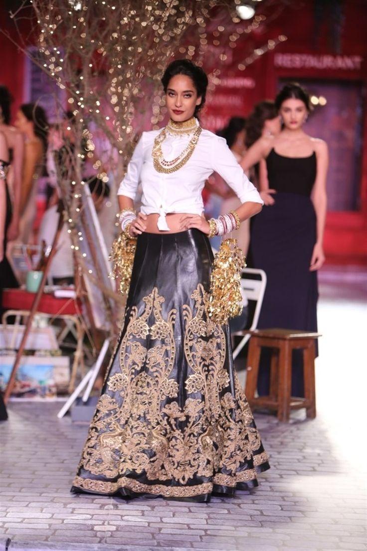 Monisha-Jaising-India-Couture-Week-2014-45