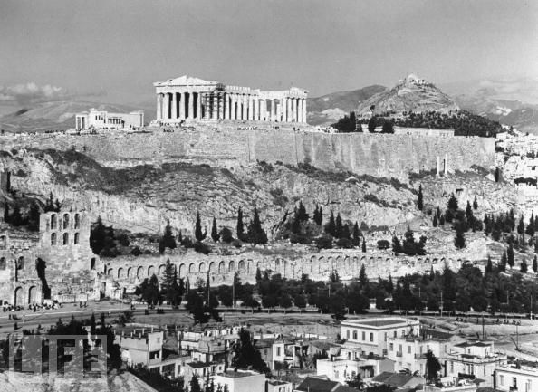 The Acropolis back in 1944. Click through for more Vintage Greece