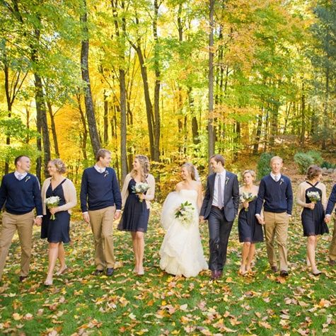 Love the sweaters for the guys! Great fall wedding look.