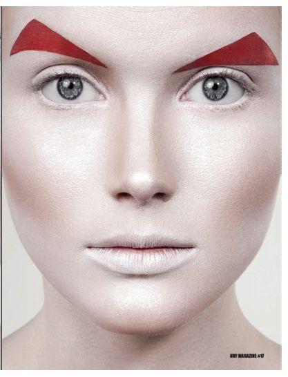 make up futuristic eyebrows