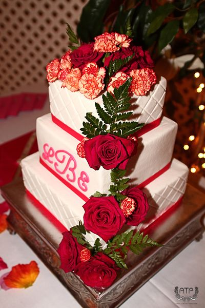 38 best Red, Pink, Purple Wedding Cakes images on Pinterest ...