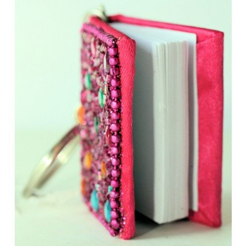 BLING NOTEBOOK ON KEYCHAIN FOR NOTES SECRETS SPELLS It can be a great gift.
