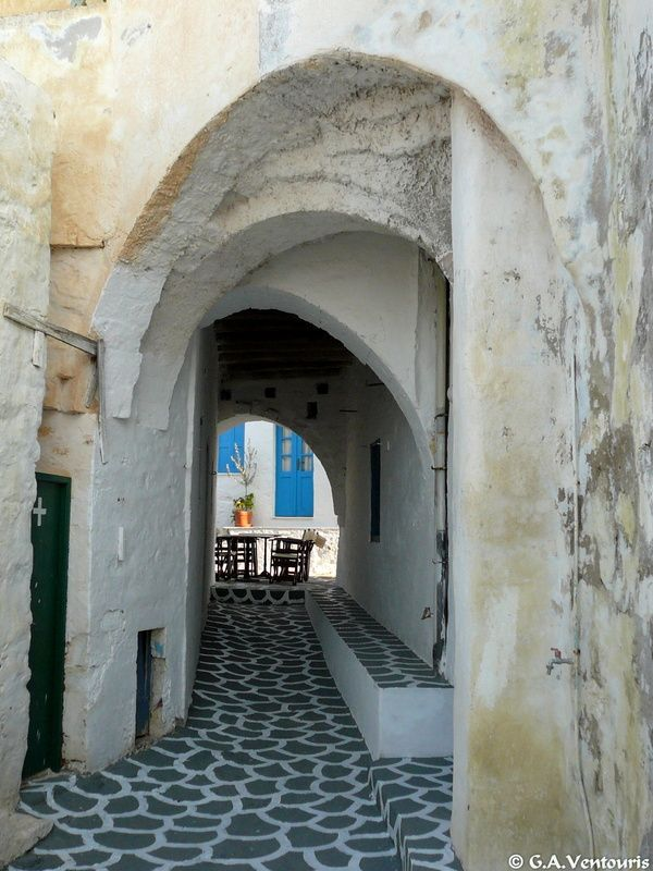The castle and Chorio | Chora | Aegean Islands | Kimolos  #visitgreece #greece