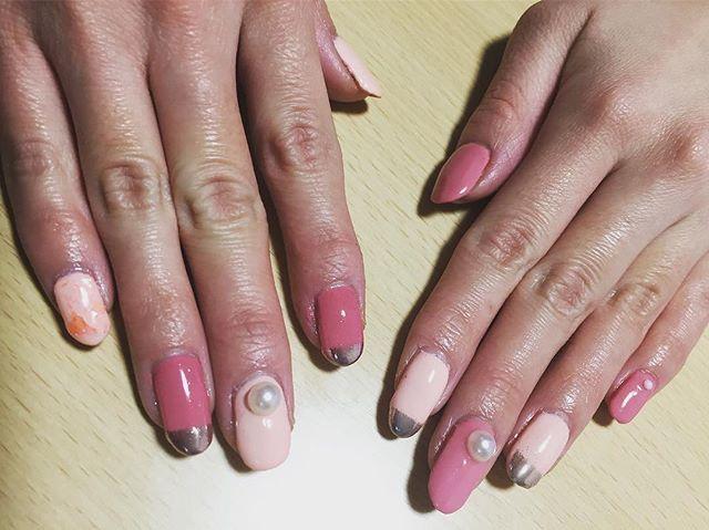2017.01.12 💓💓 。 。 。 #ジェルネイル #セルフネイル #ピンクネイル #ミラーフレンチ #パール #シンプルネイル #gelnails #nail #pink
