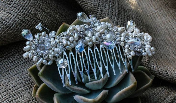 Freshwater pearl and crystal hair comb