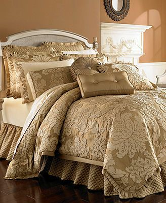 J Queen Bedding, Contessa Gold Comforter Sets