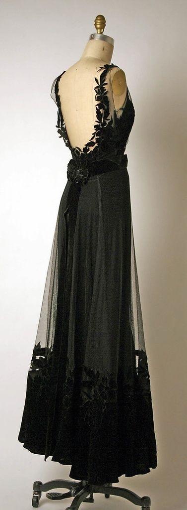 Christian Dior 1947.