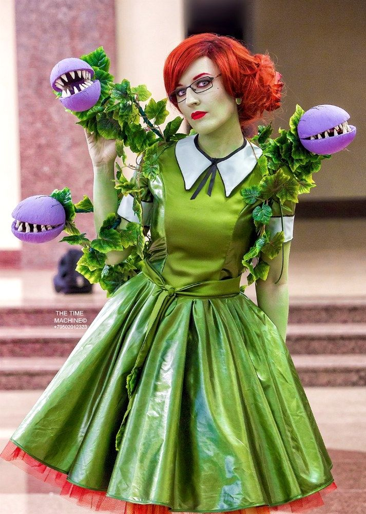 Poison Ivy in the style of 50s by art Denis Medri Photo: Time Machine Cosplay by me (costume, makeup by me)