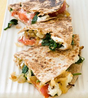 Goat Cheese, Caramelized Onion, and Spinach Quesadilla. Um, yum.Spinach Quesadillas, Fit Magazines, Caramel Onions, Healthy Dinner, Healthy Side, Vegetarian Recipe, Vegetarian Meals, Goats Cheese, Goat Cheese