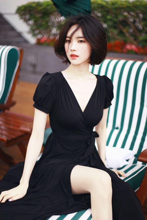 просьбе читателей, необычная фотосессия кореянки в черном свои