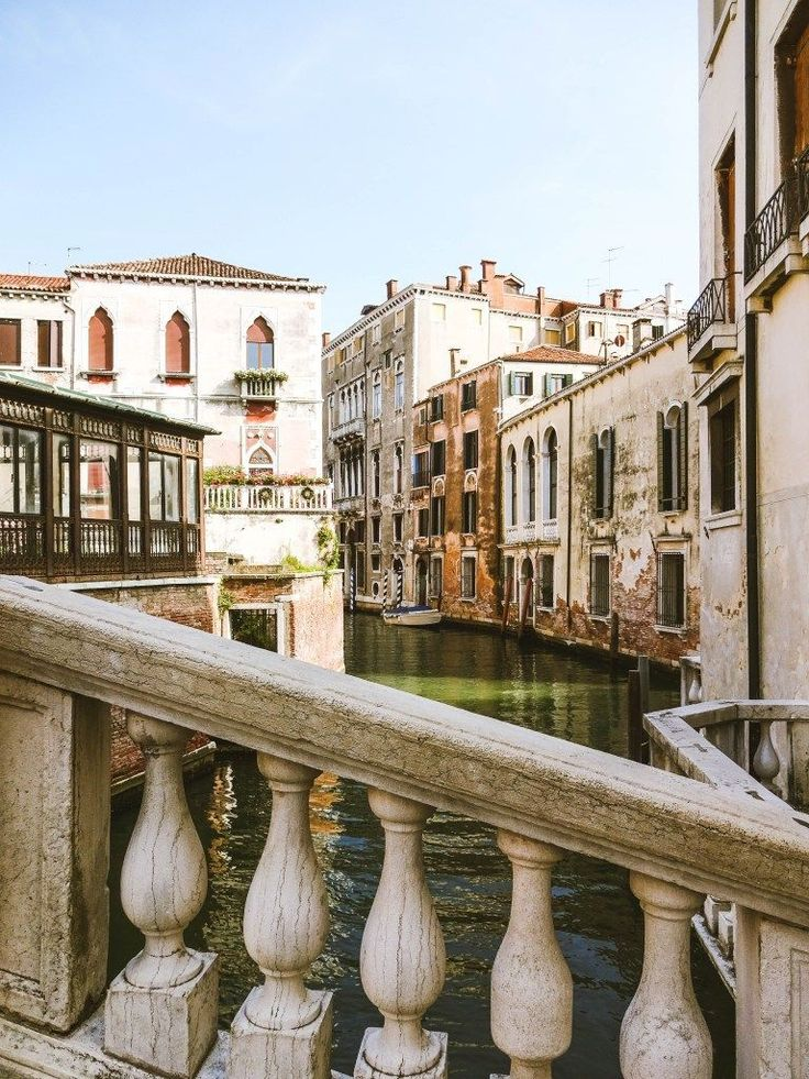 From the canals of Venice, to the churches of Rome, to the turquoise water of the Amalfi Coast, there is something that will capture the delight of anyone who visits Italy #visitingitaly