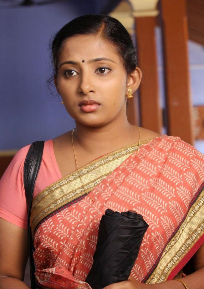 Malayalam Serial Actress Niya In Saree  Hottty In 2019 -5030