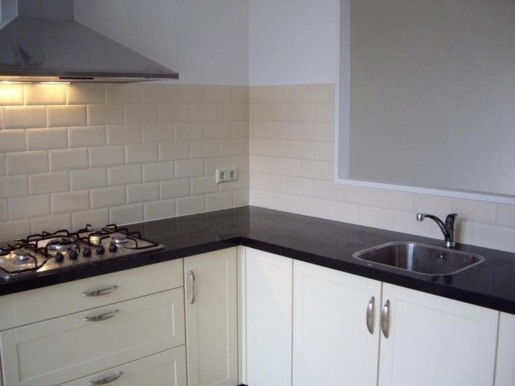 Facet tegels ivoor keukens pinterest ivoor tegels en keukens - Eigentijdse keuken grijs ...