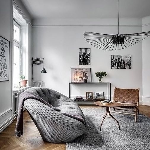 What a stunning living room! Love everything about this space . Beautiful capture by @henriknero #livingroom #livingroomdecor #nordichome #nordicinspiration