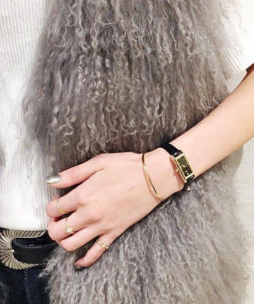 大人女子の欠かせないアイテムの1つに腕時計がありますよね。最近ではメンズライクなビッグフェイス時計が多いですが、やっぱり女性らしくみせてくれるのは華奢な腕時計です。そこでこの冬おすすめの大人女子向け華奢時計ブランドを5つご紹介します。
