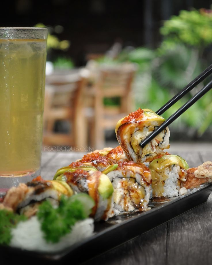Sushi Hana, a Japanese restaurant located in the midst of busy Sunset Road, Bali. If it's your first time visiting here, the building might fooled you. It looks just like an ordinary big shop house…