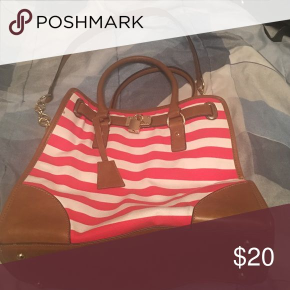 Large Charming Charlie Red Nautical Purse Worn Once. Large Nautical Purse with chain strap. Make an offer . Charming Charlie Bags