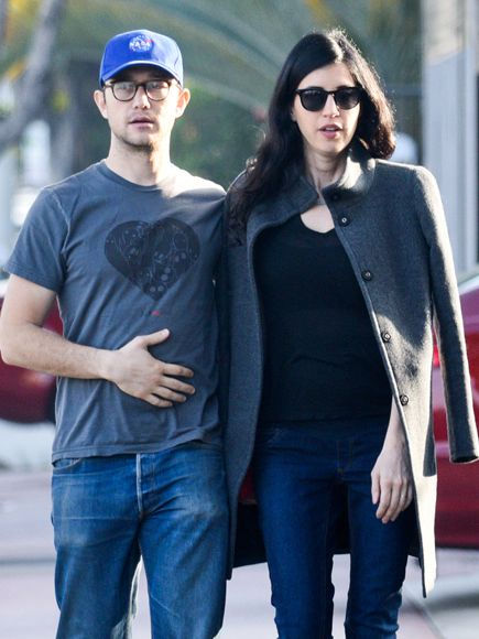 Star Tracks: Tuesday, February 10, 2015 | SUNDAY STROLL | Joseph Gordon-Levitt and new wife Tasha McCauley grab some grub Sunday in L.A.
