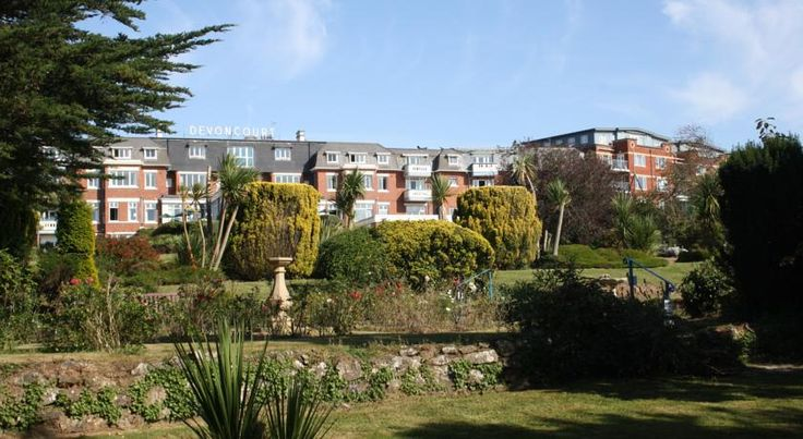 The Devoncourt Resort Exmouth The Devoncourt Resort is just 15 minutes' walk from Exmouth town centre. There is complimentary WiFi throughout, including all the rooms. There is also a free car park on site available for all guests, and a leisure centre.