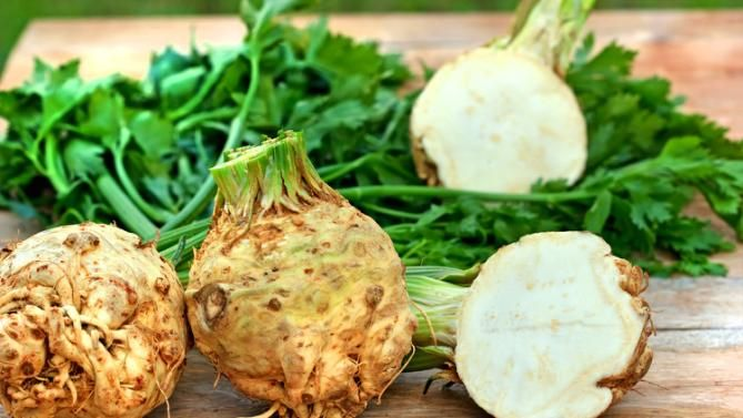 With just 18 calories per 100g, celeriac is one of the lowest-calorie vegetables around.