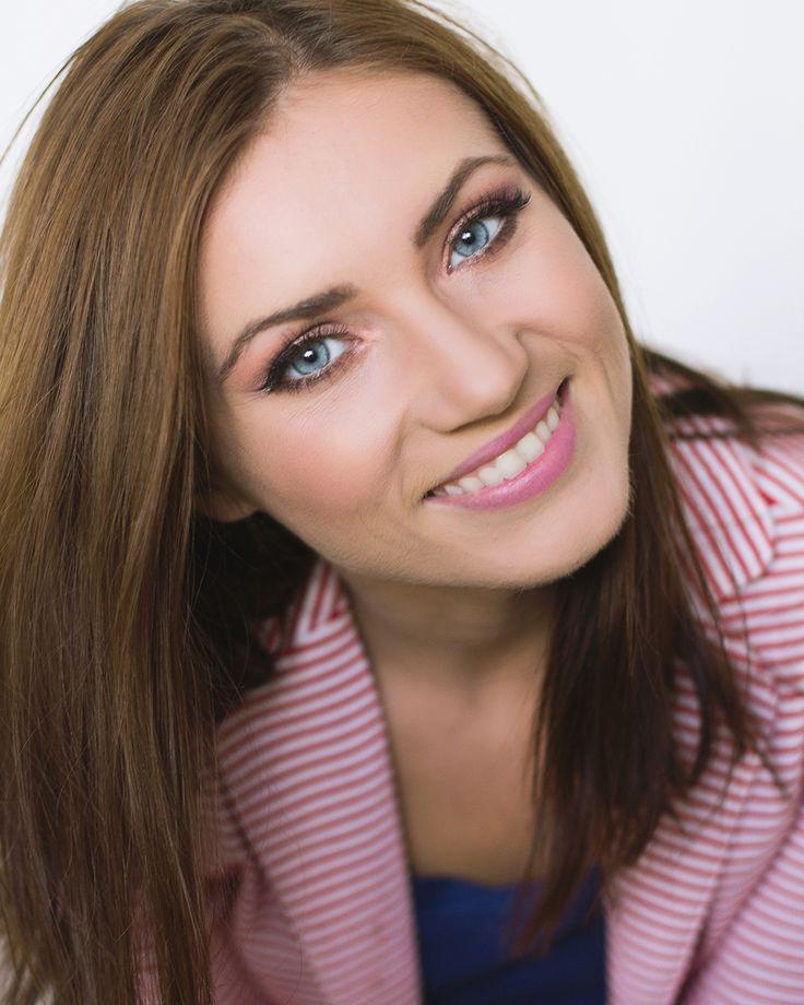 Natural Makeup.  #natural #makeup #pinklips #blueeyes
