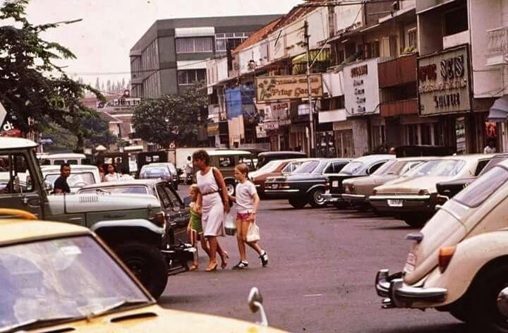 Blok M, th 1980an-1990an menjadi icon tempat nongkrong anak-anak muda