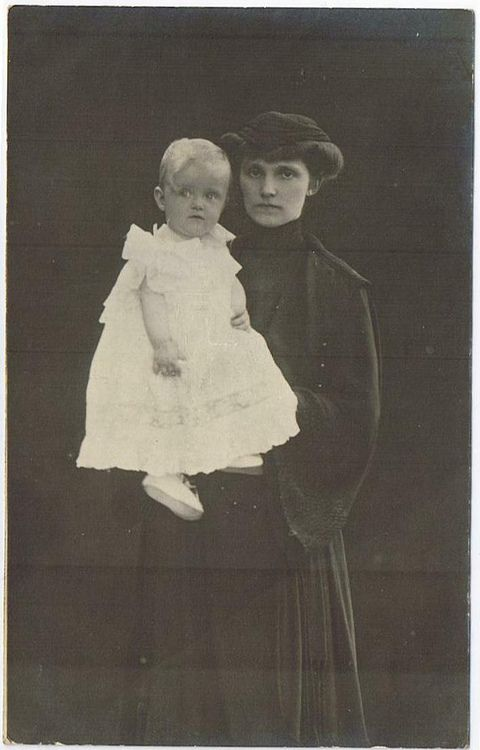 Empress Zita of Austria photographed in 1922 with her youngest daughter, Archduchess Elisabeth of Austria. She's in mourning for the death of her husband, Emperor Karl I of Austria.