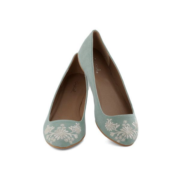 ModCloth Pastel Petal Down the Lane Flat ($30) ❤ liked on Polyvore featuring shoes, flats, shoes flats, zapatos, ballet flats, flat, green, floral ballet flats, flat shoes and flower print shoes