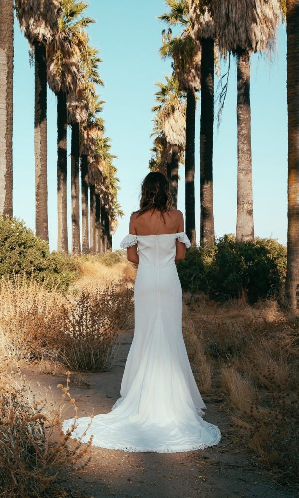 Best 25 Indie wedding dress ideas on Pinterest  Long white dress boho White hippie dress and
