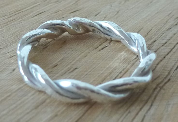 thick twisted wire battered ring
