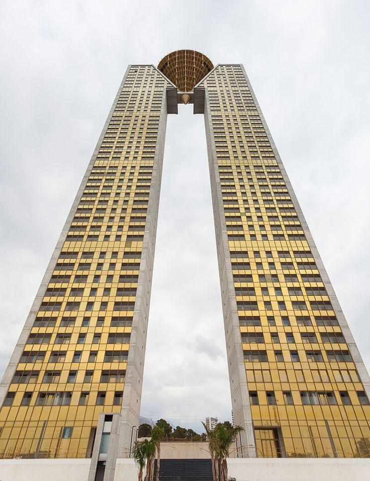 InTempo, Benidorm, España,  uno de los rascacielos más altos de Europa.
