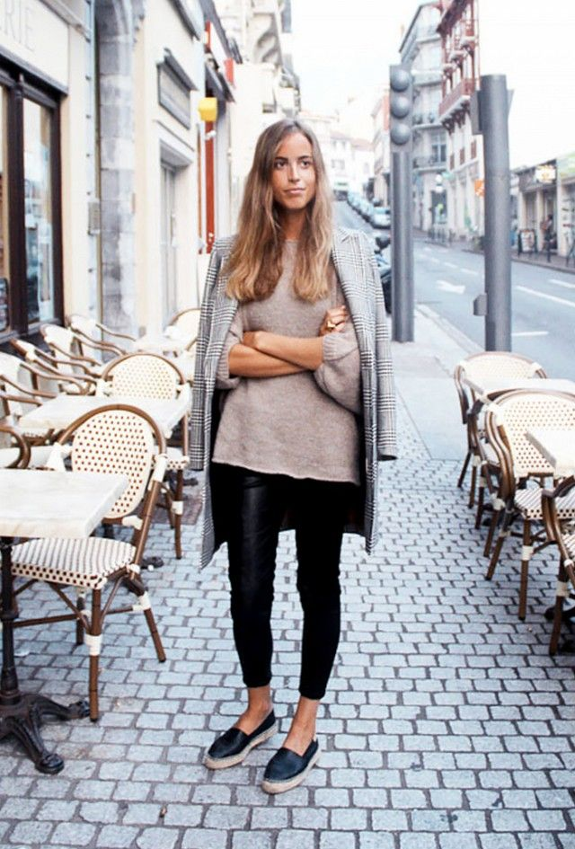 Fall  Outfit Ideas We Can't Wait to Copy : leggings and oversized sweater