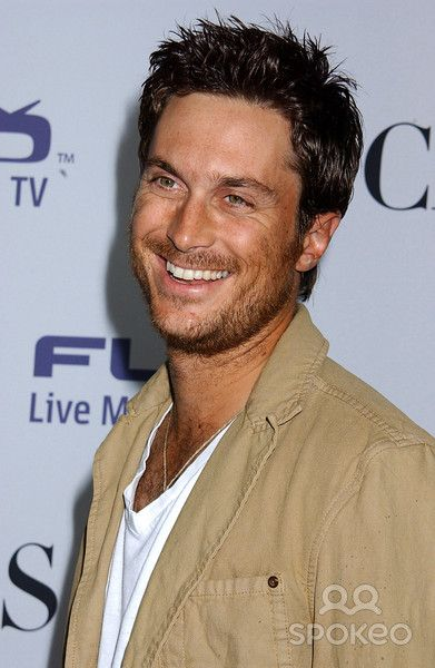 Oliver Hudson. Goldie Hahn's son. And Kate Hudson's big brother.