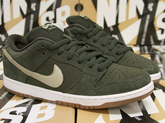 26add6bc853a ... METALLIC ZINC GARNETT 386160-001 BASKETBALL  Back in April Sneaker News  gave you a peek at an upcoming Nike SB Dunk Low ...