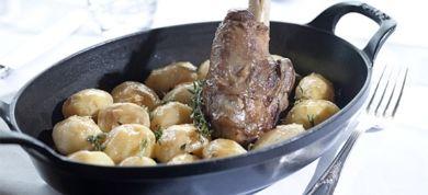 Το πασχαλινό τραπέζι θέλει μοσχομυριστό αρνί, κατσίκι και χοιρινό στις πιο πρωτότυπες και γευστικές τους εκδοχές.