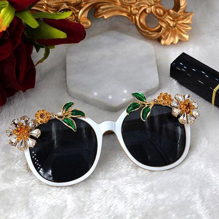New Baroque fashion women sunglasses high quality design rhinestone gems flower sun glasses for women flowers crystal accessorie