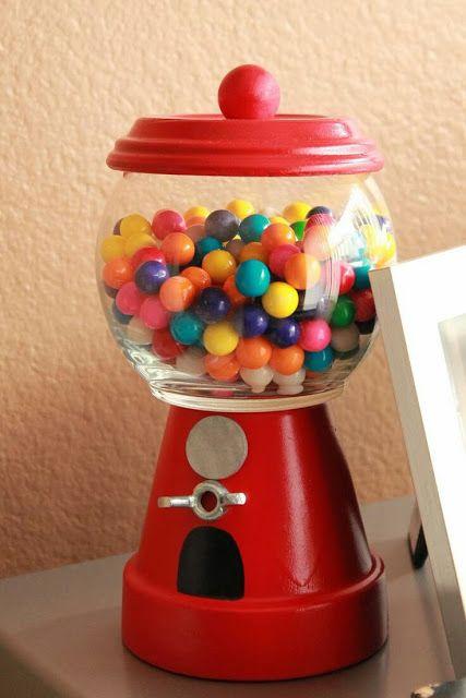 más y más manualidades: Cómo hacer dulceros con peceras de cristal