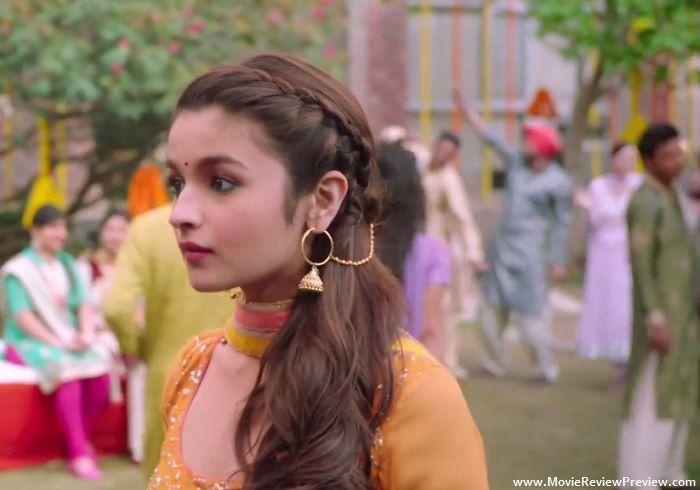 Alia Bhatt in Daingad Daingad Humpty Sharma Ki Dulhania