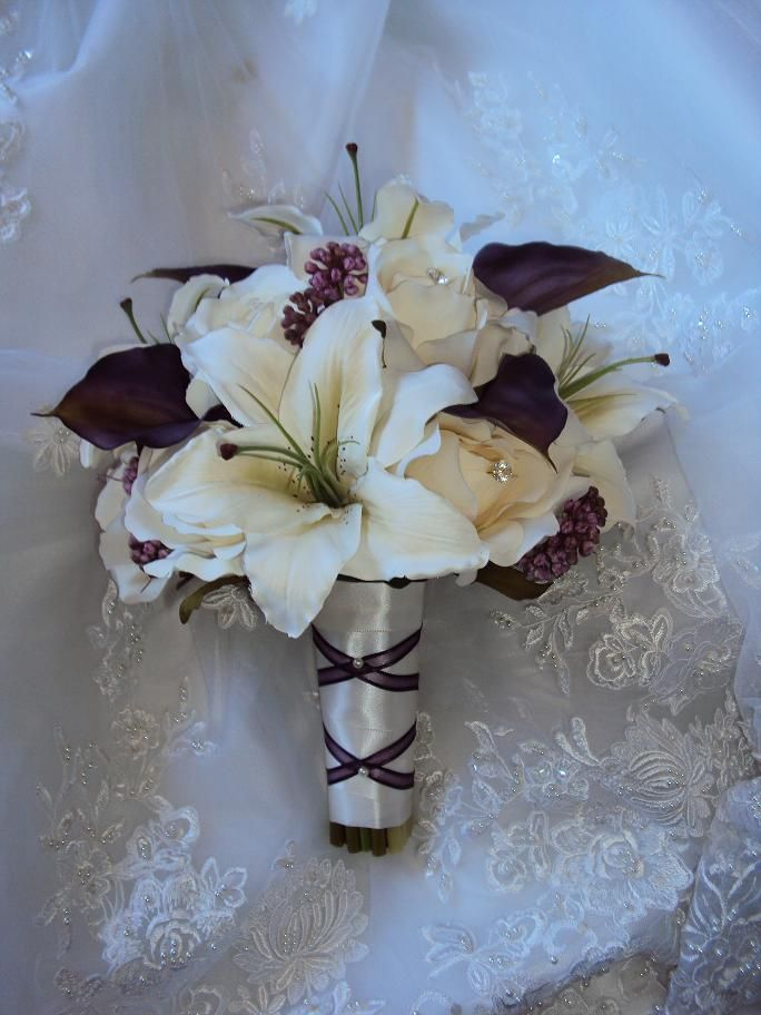 silk flower wedding bouquets with eastern lillies | ... Lilies, Silk Ivory Tiger Lilies and Silk Ivory Roses wedding Bouquet