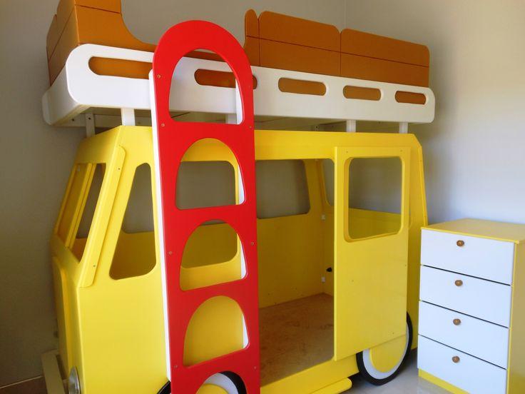 Taxi Bed & Pedestal