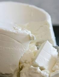 Ricotta is een sneeuwwitte zachte en frisse Italiaanse kaas van koeien- of schapenmelk met een milde en zacht zoete smaak. Ricotta bevat een laag zout- en vetgehalte. Ricotta betekent 'opnieuw gekookt'. De naam verwijst naar de methode waarop ricotta gemaakt is: het wordt gemaakt van de wei die overblijft nadat deze is gescheiden van de wrongel. Strikt genomen is ricotta dus geen kaas, maar een bijproduct ervan.