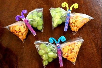 Prepare Healthy Party Snacks! These simple and fun butterfly snacks are nutritious and cute! #lunchbox #snacks #kidsnacks