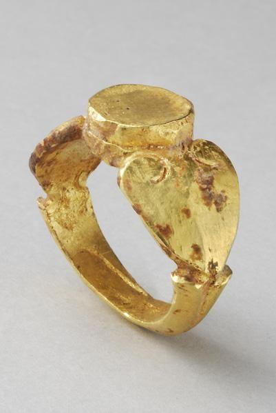 Roman Gold Ring | 3rd Century AD Roman | Gold | Jewelry | eTiquities by Phoenix Ancient Art